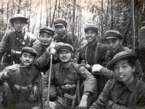 电影《闪电行动》原型:副营长呼唤炮火,炸死越军中校团长