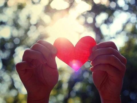 能秒回你消息的人,一定在心里爱着你