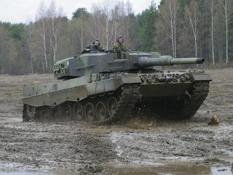 明知俄制坦克仍能用,为何匈牙利需要引进豹2?不知在中东被打烂