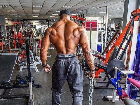做高位下拉时背部没感觉?做好这5个细节,让你练背更有效果