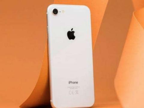 果粉们可以扔掉手中的iPhone6和iPhone7了,3K的苹果手机来了!