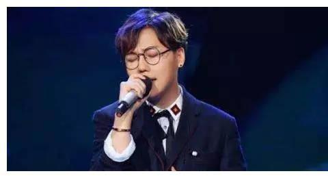 同样是给刘维新专辑加油,任嘉伦广受好评,姜思达被质疑情商低?