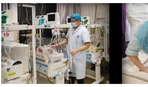暖心!贵州1100克早产儿疫情下的救治日记