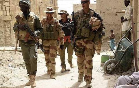 98名士兵被杀后,13国组建联军部队,远赴非洲围剿恐怖分子