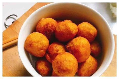 红薯这个做法,营养丰富又解馋,隔三差五吃上一回,家人都爱吃