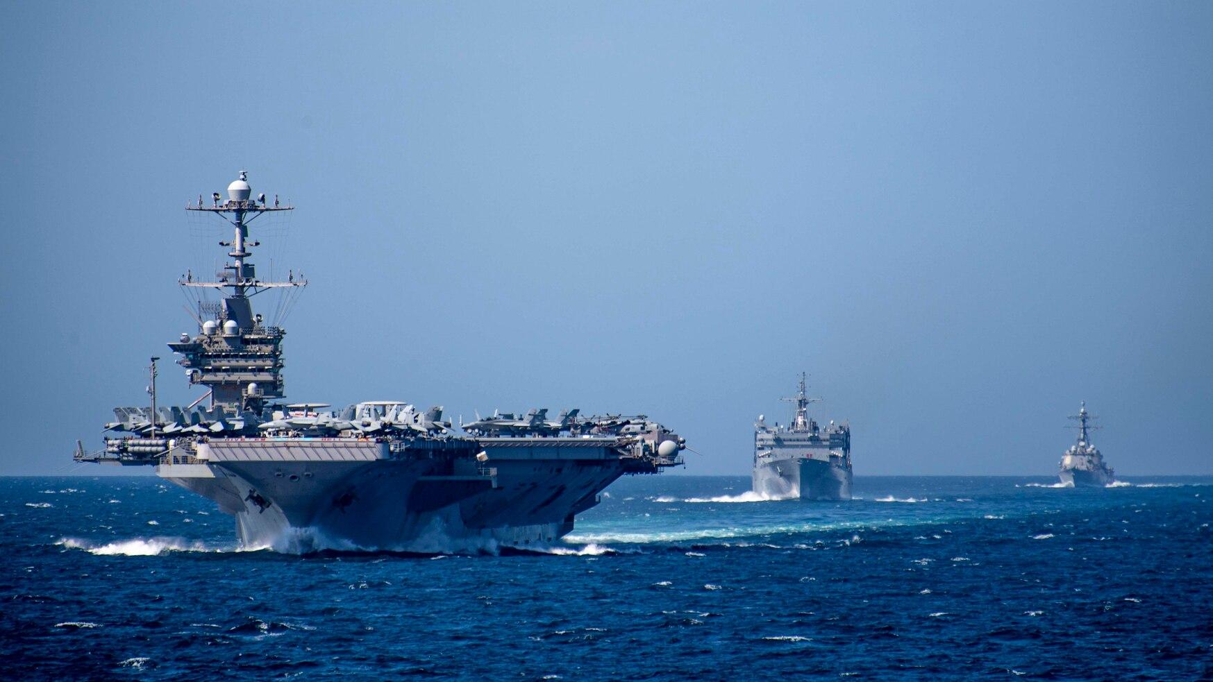 伊朗紧张局势下,两艘美军航母被部署在中东,美国人:可疑的动作