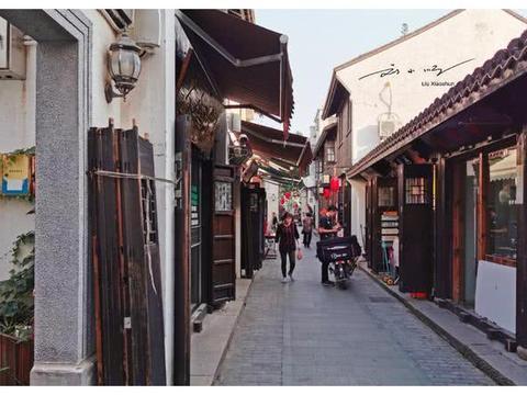 """上海有个""""低调""""的古镇,就在迪士尼乐园附近,知道的游客却不多"""