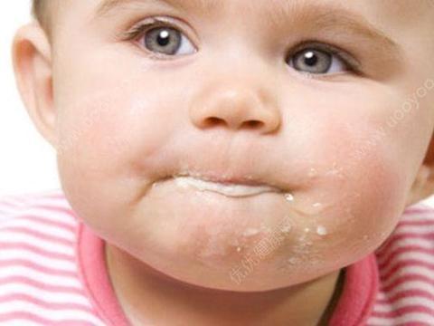 几个月的宝宝总是吐奶?可能是你喂孩子的方法不对;建议宝妈收藏