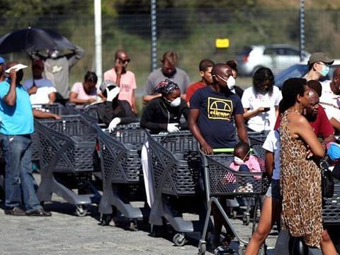 南非武汉撤回112侨民隔离期满零感染 总统表祝福