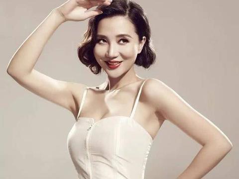 高晓松的前女友,曾登上央视春晚舞台,如今39岁很美却还是单身
