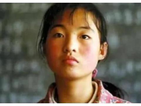 她曾出演了张艺谋的电影,却因颜值问题被张艺谋劝退,今成普通人