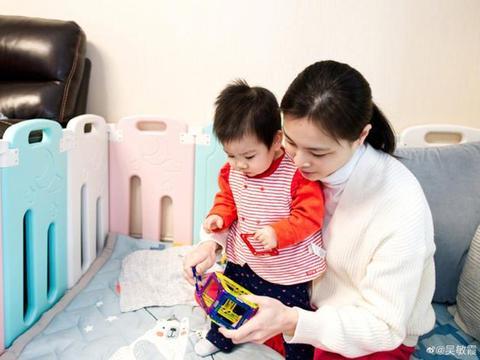 吴敏霞晒女儿合照,女儿继承优点,退役后工作生活两不误