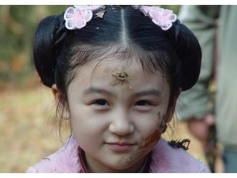曾4岁出道6岁登春晚,与赵丽颖合作被骂太丑,今19岁成时尚女郎