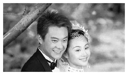 17岁出道的他,38岁娶小3岁一线女星,今48岁成人生赢家