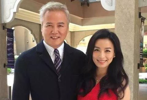 张庭和林瑞阳同框秀恩爱,却像是爷爷和孙女,其实两人才差10岁