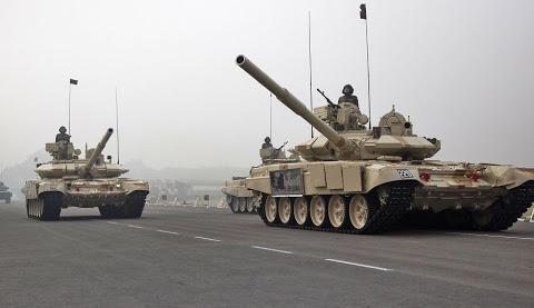 美俄加紧争夺印度军火市场 美或因俄印军火交易制裁印度