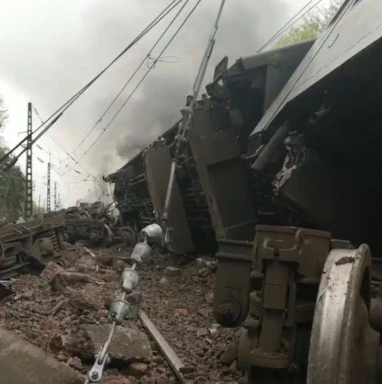 最新!T179次列车脱轨侧翻1死4重伤,京广铁路列车晚点