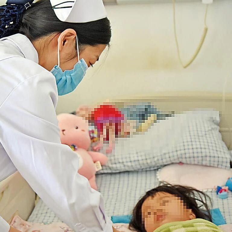 青县一名3岁女童5楼坠落奇迹生还