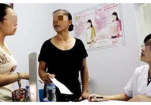 婆婆带儿媳产检,却被医生找理由支开,随后的问题让孕妇尴尬不已