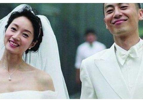 因拒绝潜规则10年不红,甘愿做丈夫背后的女人,如今老公成一线