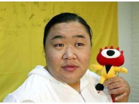 """致敬!中国举重奥运冠军,曾用""""生命""""夺冠,现结婚8年仍没小孩"""