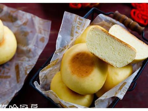 用鸡蛋和面的媳妇饼,松软香甜,浓郁花生香,比面包都好吃