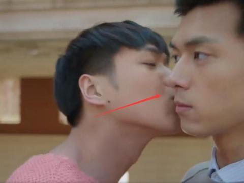 张若昀李现拍吻戏有多敬业?吻完导演一喊卡,李现的反应引热议