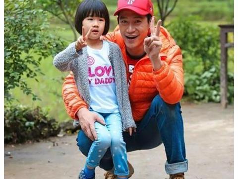 """有种""""发育过猛""""叫陆毅女儿,11岁的贝儿,一双大长腿引人注目"""