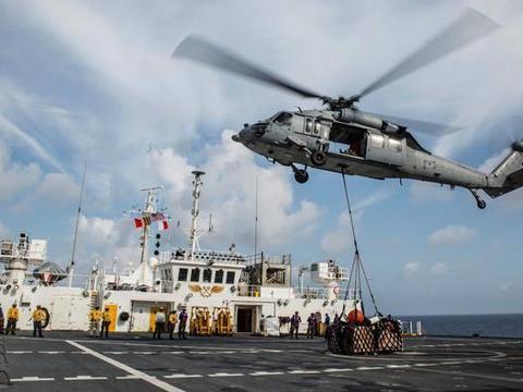 第二艘航母感染!美海军陷入空前危机:11艘航母可能瘫痪五分之一