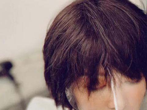 """本以为李沁只有长头发好看,剪了""""锁骨短发""""后,感觉更惊艳了"""