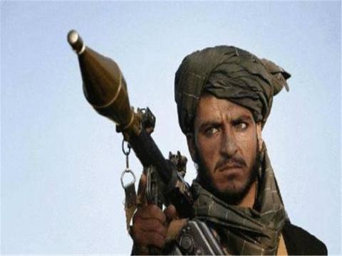 撕毁和谈协议,大批塔利班武装直接宣战,美军机场遭到火箭弹袭击