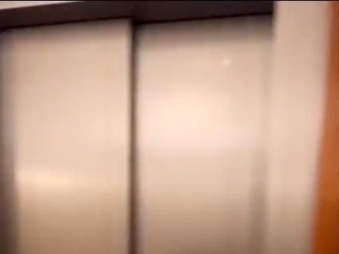 电竞主播晒出千万豪宅,八层别墅家里装电梯,粉丝看懵不敢相信