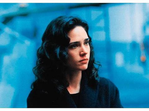 美丽心灵:传记电影作品,剧情的女主很美,值得一看!