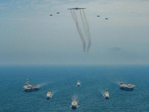 美军双航母编队就位,战略轰炸机撑腰,但伊朗未来60天绝对安全