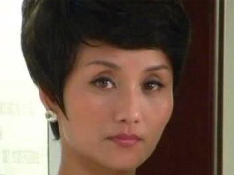 """张翰的""""母亲"""",17岁出道因""""坏女人""""走红,女儿是世界冠军"""