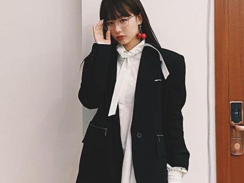 徐梦洁的个性穿搭真时髦!黑色西装配不规则衬衫