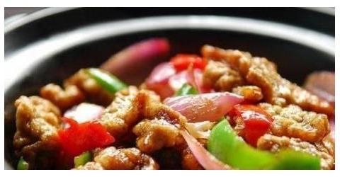 美食精选:小酥肉,捞菜炒田螺,韭菜烧带鱼,鲅鱼丸子汤的做法