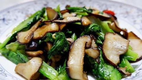 美食严选:醉八仙,白灼秋葵粉丝,面筋塞肉,香菇油麦菜的做法