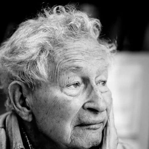 挺杨振宁、反对建对撞机,97岁物理学巨匠逝世