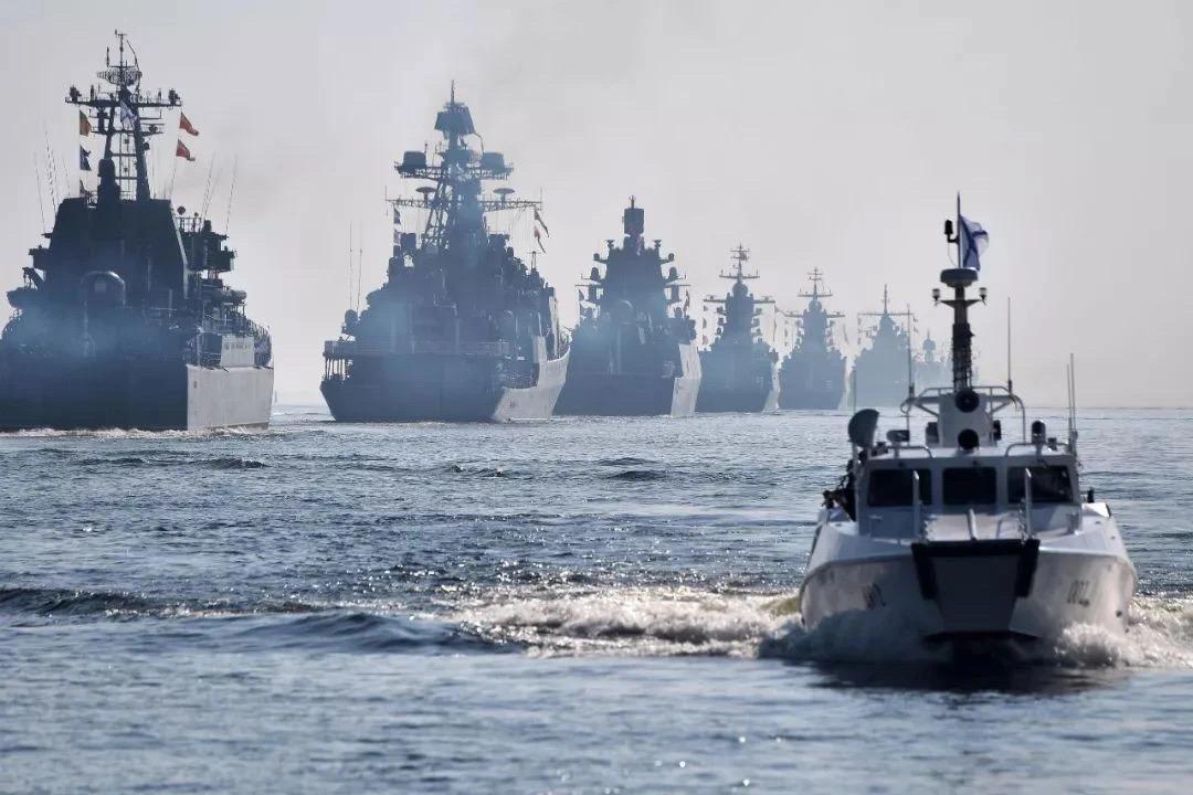 俄海军20艘战舰倾巢而出,美专家:不足为惧!果真如此?