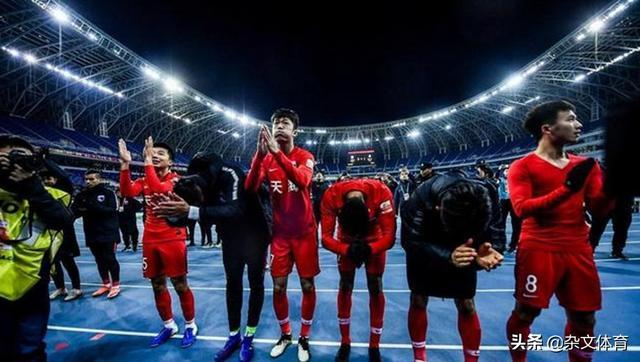 国足悍将仍在德国!重伤后关心球队动态,和李玮锋一样倾尽全力