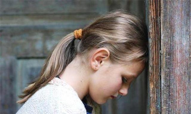 自卑让孩子失去信心,自卑的根源却是父母