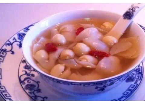 美食推荐:百合莲子羹,木耳鸡蛋炒丝瓜,红油猪心,青椒炒毛豆