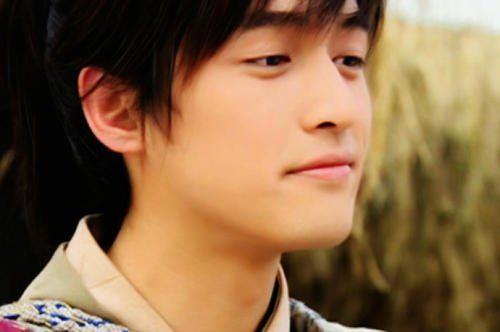 他们拍摄《仙剑1》的年龄,刘亦菲未成年,看到安以轩懵了!