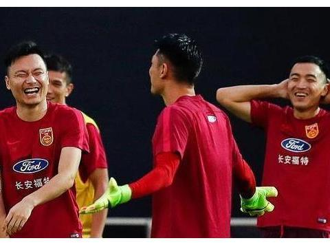 郜林和武磊谁厉害?球迷:郜林还不如李毅,怎么和武磊相比