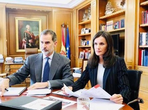 同穿职业装居家办公,凯特王妃气色大好,西班牙王后消瘦显憔悴