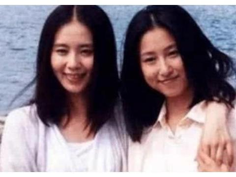 """明星与替身的合影,以为吴京能够像了,最后的确定不是""""双胞胎"""""""