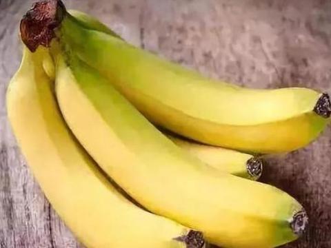 睡前吃四种水果,不仅排湿养颜,还健脾胃,一觉睡到天亮不失眠