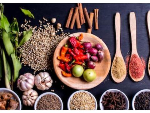 香辛料常识,知道这些厨房香料的基本用法,做菜口味提升一大截