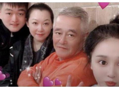 赵本山儿子疑似宣布恋情,女方被揭开之后,来头不小